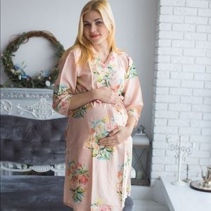 Maternity delivery robe